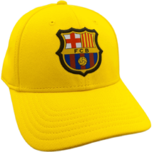 A Barcelona aranysárga gyerek baseball sapkája